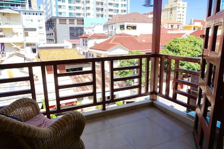 Cosy bright room in BKK1 - Apartamento