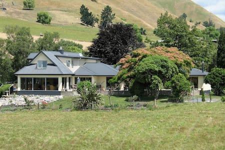 Mount Heslington Lodge - Brightwater