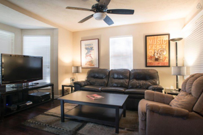 Zilker Guest House Long-Term Rental