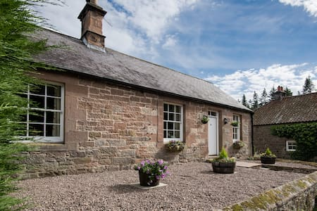 Charming c19 Cottage on Private Country Estate - Northumberland - Casa