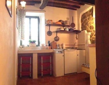 GRAZIOSA CASA DI PAESE A PANCOLE - House