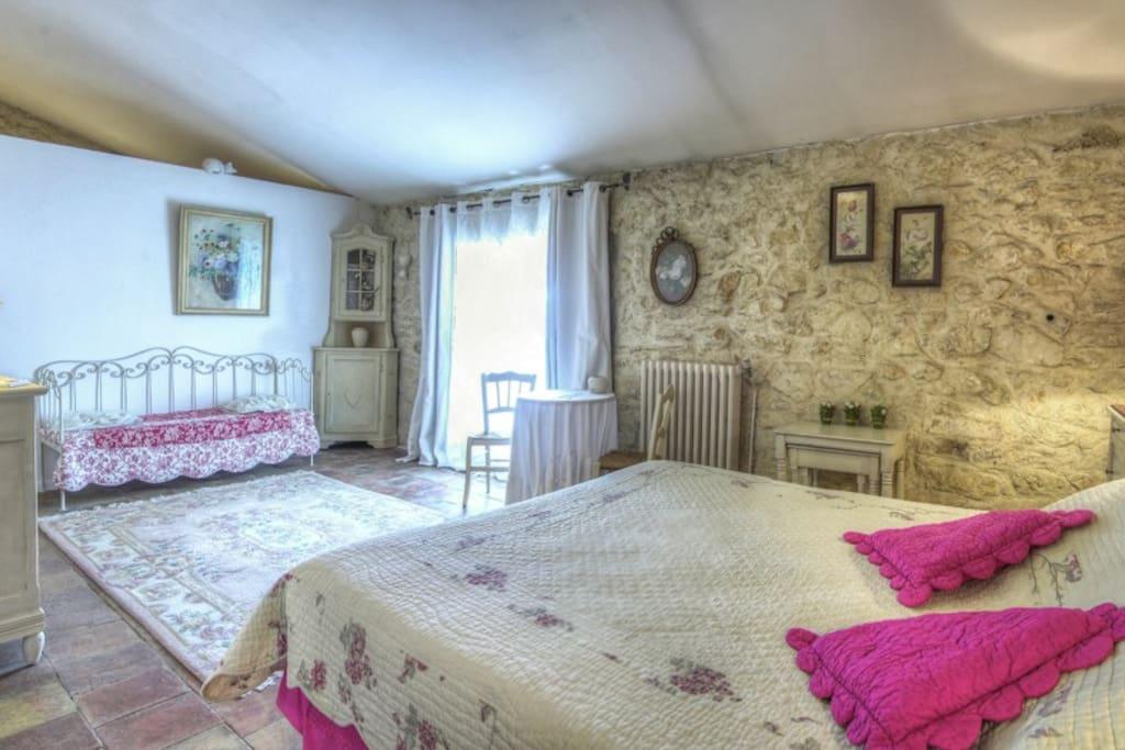 Chambre Muscat 25 m2 avec lit en 160