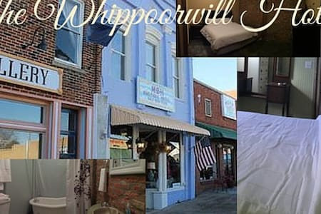 Whippoorwill Hotel: Flight Queen Room - Water Valley - Annat