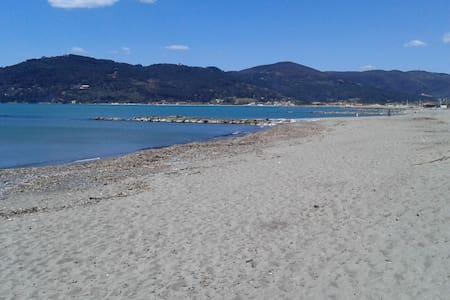 accogliente appartamento sul mare - Marinella di Sarzana