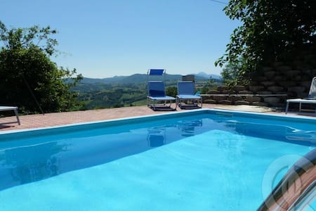 Country villa with view, pool, WIFI - Hus