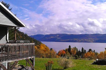 Montagne vue Fjord Saguenay - House