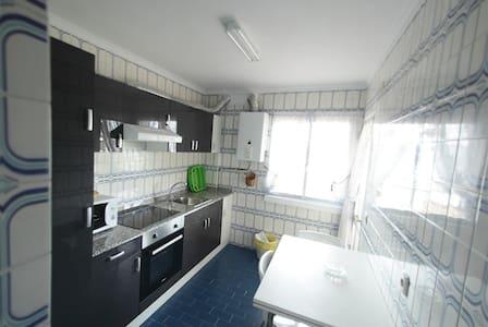 Se alquila piso 3 habitaciones - Foz - Lägenhet