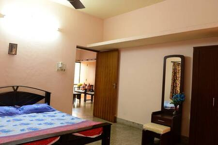Private room with Air Conditioning - Mangaluru - Dom