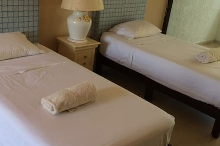 BEST PRICED ROOMS IN HOTEL ZONE IN CANCUN 2 BEDS - Villa