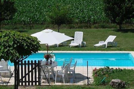 Maison piscine en Charente Maritime - Ev