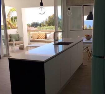 Apartament with great sea views - Urbanització Bellavista
