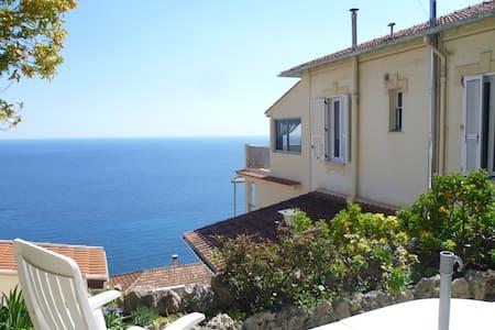 Maison mitoyenne face à la mer - Roquebrune-Cap-Martin - House