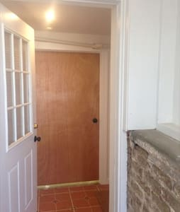 Furnished Private Studio - Montclair - Haus