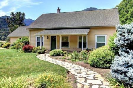 Applegate River Country House! - Jacksonville - Casa