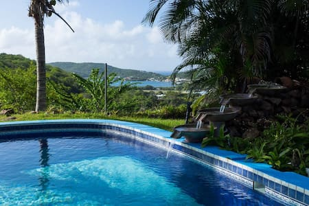 Hilltop Cottage with Swimming Pool - Culebra - Andere