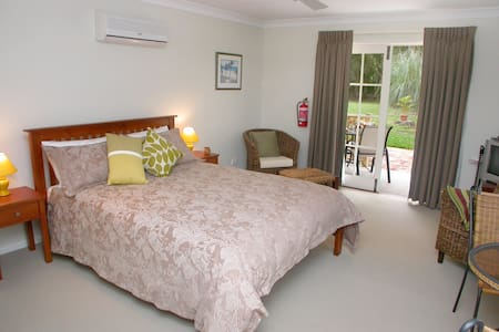 Ground floor unit disabled bathroom - Mooloolah Valley