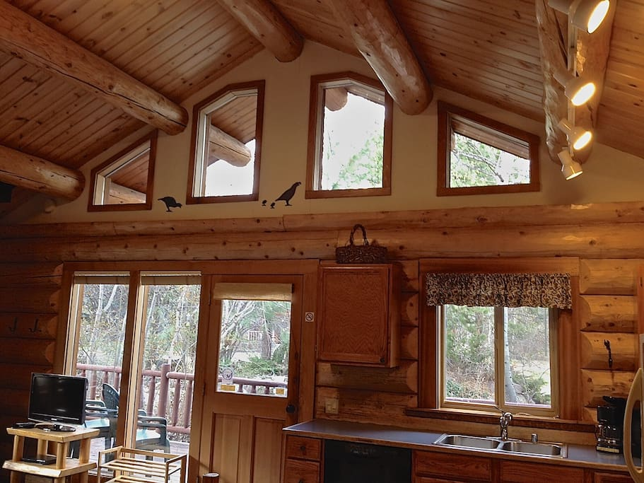 Quail cabin pool hot tub houses for rent in winthrop for Winthrop cabin rentals
