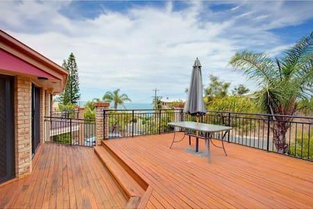 Private room,  ocean views - Rainbow Beach - Byhus