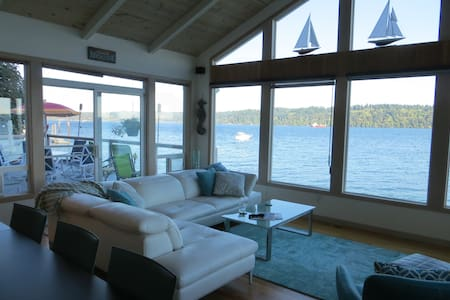 Beachfront Home - Spectacular view of Puget Sound - 단독주택