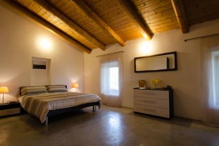 """Alto Monferrato Country House """"Il Riposo"""" Aurora - Villa"""