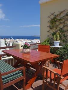 SMARO'S HOUSE - Ermoupoli - Bed & Breakfast