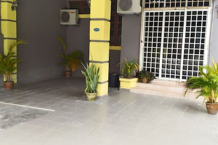 Mentary Stay 3 Townhouse Pasir Mas - Casa a schiera