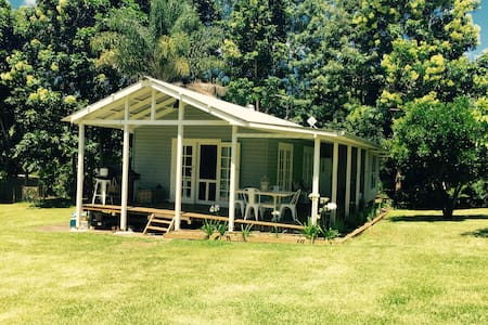 Lennox Head Hinterland cottage - Hus