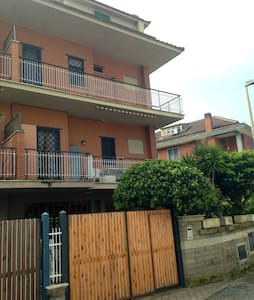 Villa with 3 bedrooms, 2 bathrooms, a kitchen, a living room, a hobby room and a big garden. It's located in a very quiet area of Ostia Lido, 3 minutes walking from Lido Nord railway station from witch you can reach Rome or the seasiside