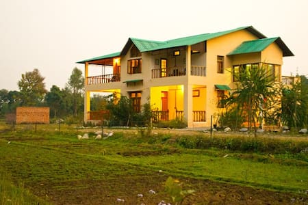 The Ranger's Lodge, Corbett Reserve - Ramnagar - Bed & Breakfast
