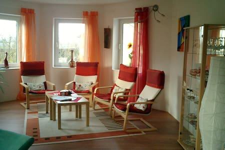 Schöne FeWo mit Flair  zum Wohlfühlen - Apartamento