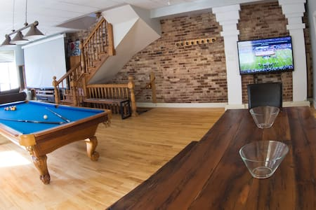 Montreal Bachelor Party Pad