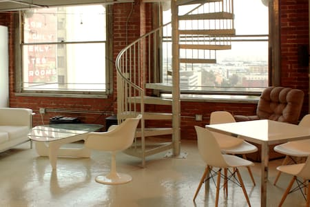 *ARTIST LOFT IN LOS ANGELES - ELEGANCE & PRIVACY* - Los Angeles