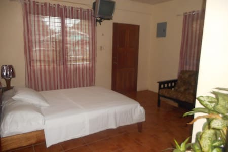 Gorgeous Spacious Studio Free WiFi Belize City - Haus