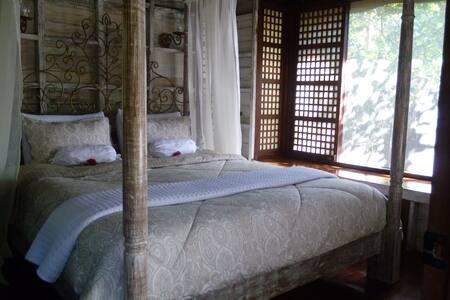 Capiz B and B (Tagaytay-Silang) - Silang - Bed & Breakfast