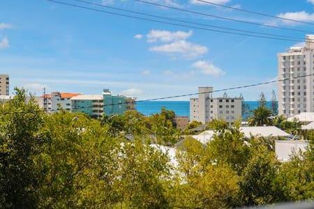 Apartment on Alex - Alexandra Headland