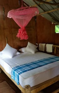 Sigiriya Riverside Villa Tree House - Bed & Breakfast