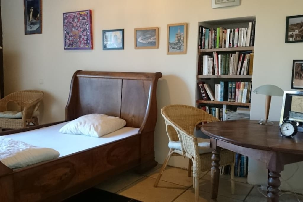lovely room near Canal du Midi