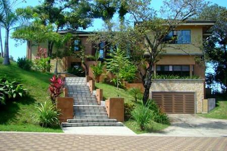 Casa Reserva, pool, ocean view,10pp - Manuel Antonio - House