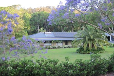Gold Coast Hinterland Retreat - Hus