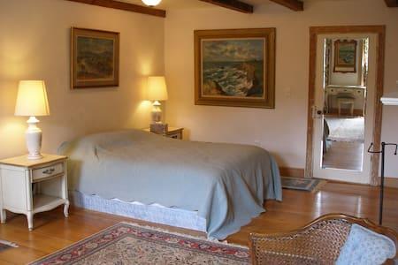 Spacious country elegant bedroom  - Shady