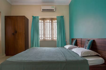 Cozy Turquoise room in Indiranagar - Szoba reggelivel