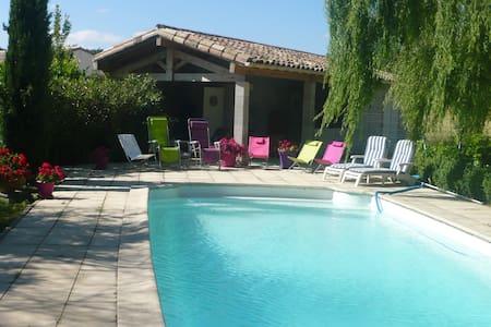 Grande villa avec piscine - Villa