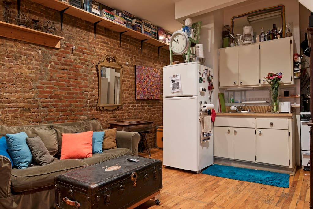 Want to treat yourself to a homemade meal? Easy, efficient kitchenette to make that a reality.