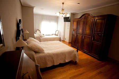 Habitación en Villa Lodosa - Lodosa - Bed & Breakfast