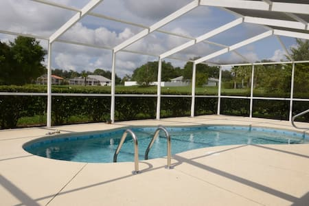 Villa with private pool, located at a Golf Course - Hernando - Villa