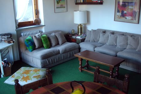 Bright apt in green area! - Apartment