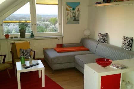 Available: May 1-27, 15 - Apartamento