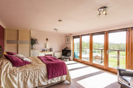 Deluxe B&B - Chilham Canterbury - Bed & Breakfast