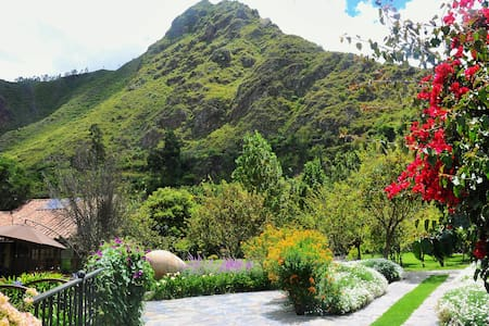 Amazing houses / Sacred Valley