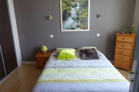 un spa avec une chambre zen - Haus
